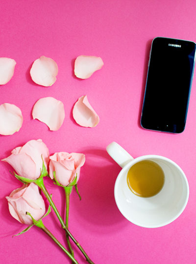 How to style flatlays for marketing your blog on Instagram