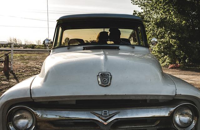 car-731122_640